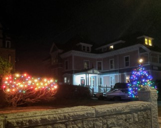 Holiday lights decorated homes_ Christmas 2019 Gloucester Mass_20191210_©c ryan (9)