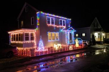 Holiday lights Gloucester MA_20191210_©c ryan