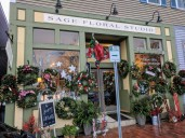 Holiday wreaths Gloucester MA decorated homes and businesses _New England architecture winter _20191212_©c ryan (13)