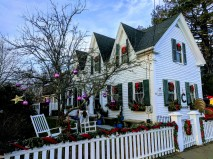 Holiday wreaths Gloucester MA decorated homes and businesses _New England architecture winter _20191212_©c ryan (3)