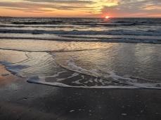 Long Beach little ice foam floes 2019 December 25 _ sunrise Gloucester Massachusetts_ photograph © c ryan (4)