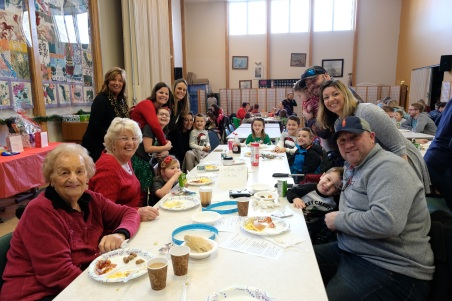 Santa Breakfast Rose Baker Senior Center copyright Kim Smith - 01