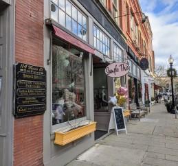 SAMPLE THIS-fun sign_storefront_116 Main Street Gloucester MA_20200105_ photograph copyright © c ryan (5)