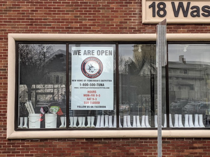 Fisherman's Outfitter now open_20200202_18 Washington Street Gloucester Mass ©c ryan