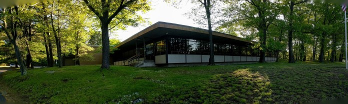 PANO_studied grace_public entrance_DONALD F MONELL_architect _Beverly Times Newspaper Plant and Offices_1969_ now Salem News_20190524_©catherine ryan (8)