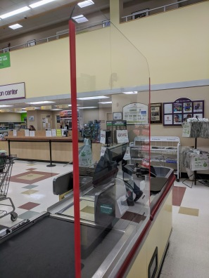 grocery store sneeze guard corona barrier_Stop & Shop Thatcher Road Gloucester Mass_20200325_©c ryan (2)
