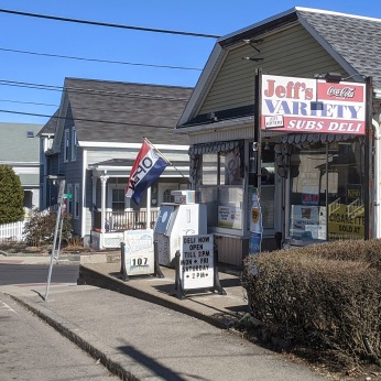 Jeff's Variety Gloucester, Mass._open and adjusted hours due to Covid-19_20200327_©c ryan (1)