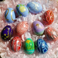 courtesy photo_© blown hand painted Easter Eggs 2020_ BRENDA WIBERG AND BETTY ALLENBROOK WIBERG_20200412 (1)