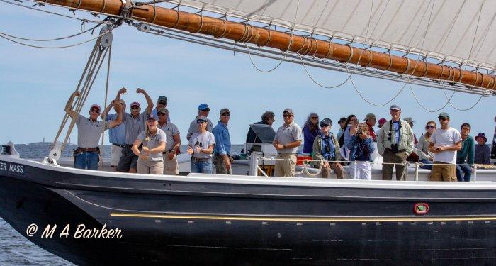 2019 End of Season shot of crew & volunteers on board (2)