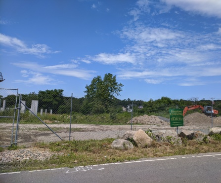 construction resumes formerly Brier Neck Shores project Thatcher Road- Gloucester MA_20200726_©c ryan