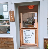 BLUME using door frame itself for customers order_Rockport Mass_clever covid 19 reopening adapations-20200815_©c ryan