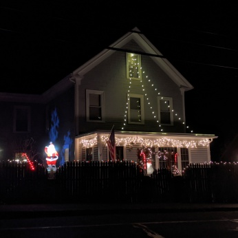 Essex Avenue_2020 Dec 2_Christmas Lights Gloucester Massachusetts photo copyright C. Ryan (12)