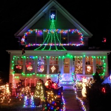 Essex Avenue_2020 Dec 2_Christmas Lights Gloucester Massachusetts photo copyright C. Ryan (6)
