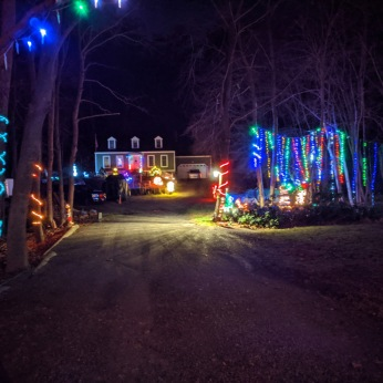 Essex Avenue_2020 Dec 2_Christmas Lights Gloucester Massachusetts photo copyright C. Ryan (8)