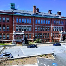 High School was here_Central Grammar apartments now_20180505_Dale Ave_Gloucester Mass ©c ryan